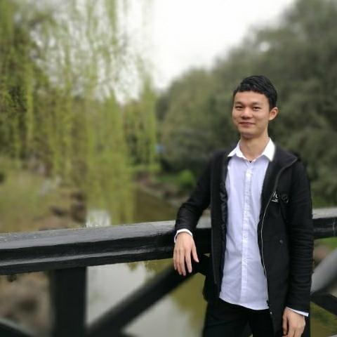 眉湖里的ZZU照片