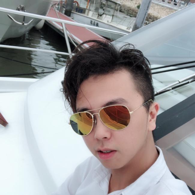 WalleHuang照片