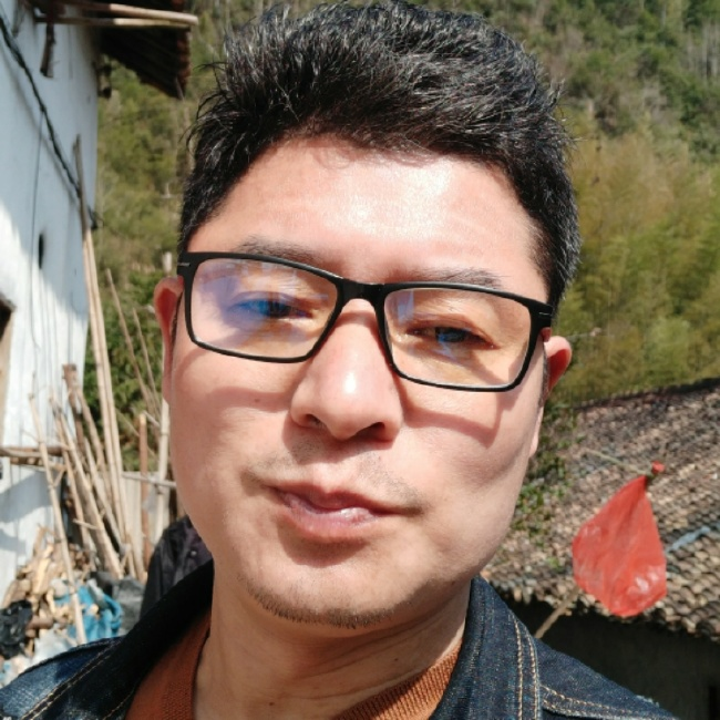 刘钧恒照片